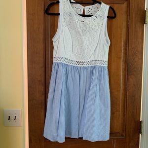 Lilly Pulitzer Alivia Dress Blue Seersucker 💙